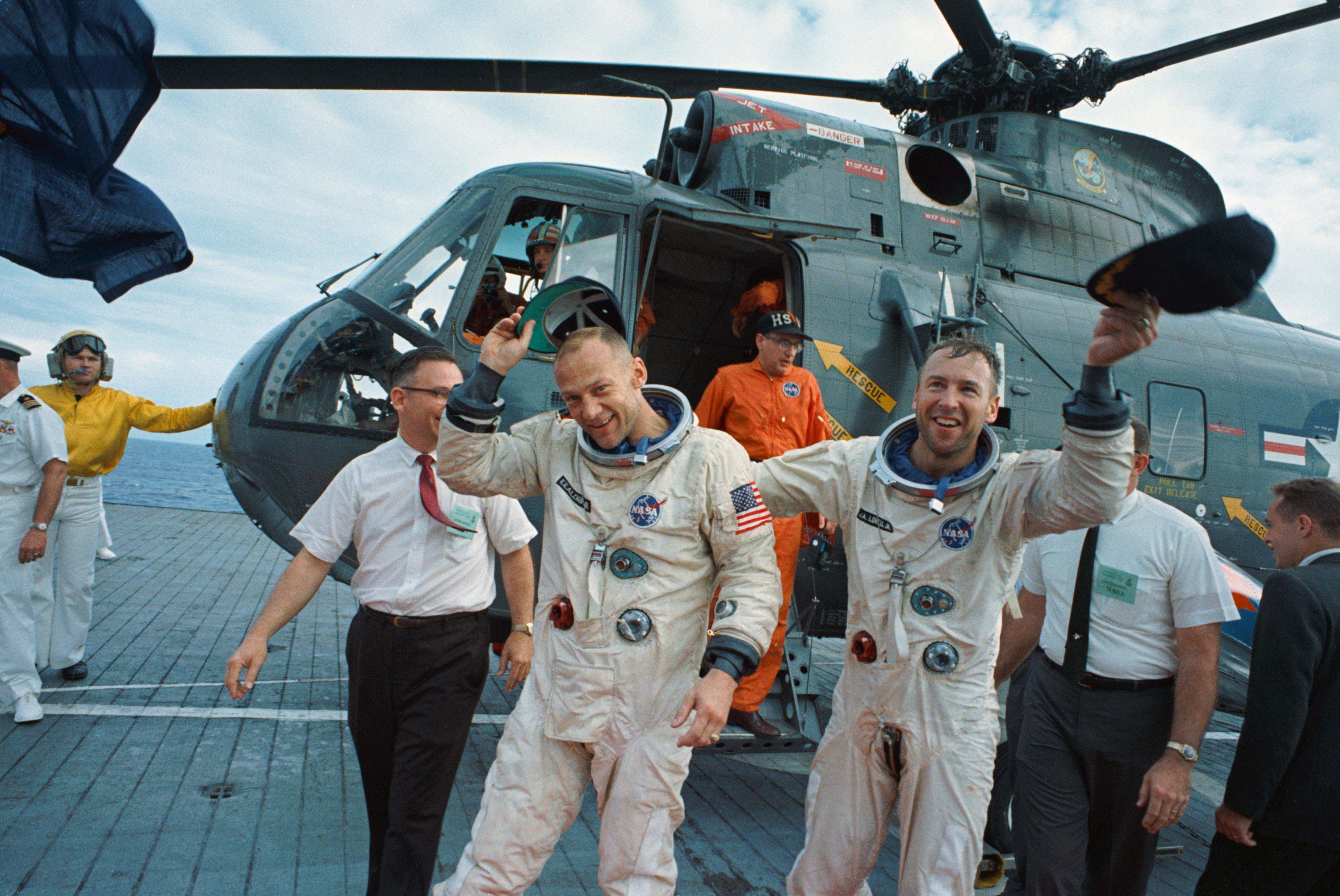 Lovell Apollo 13 - Pics about space